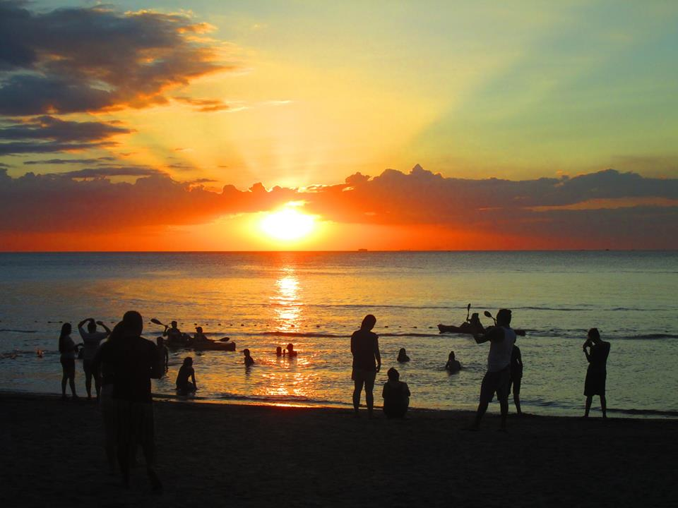 ternatebeach_sunset_selfie